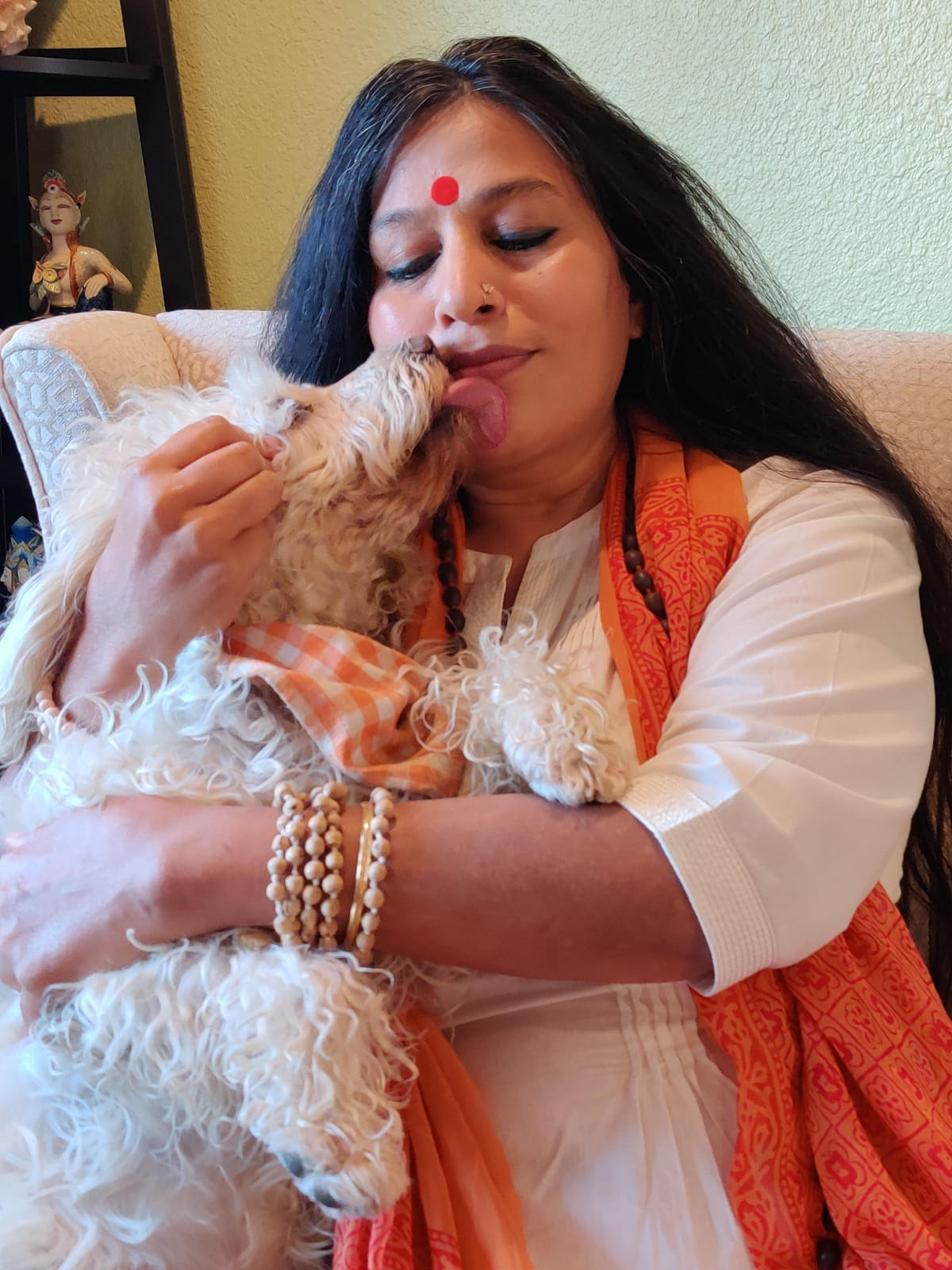 Acharya-Shunya-with-her-pet-and-writing-companion-Noddy